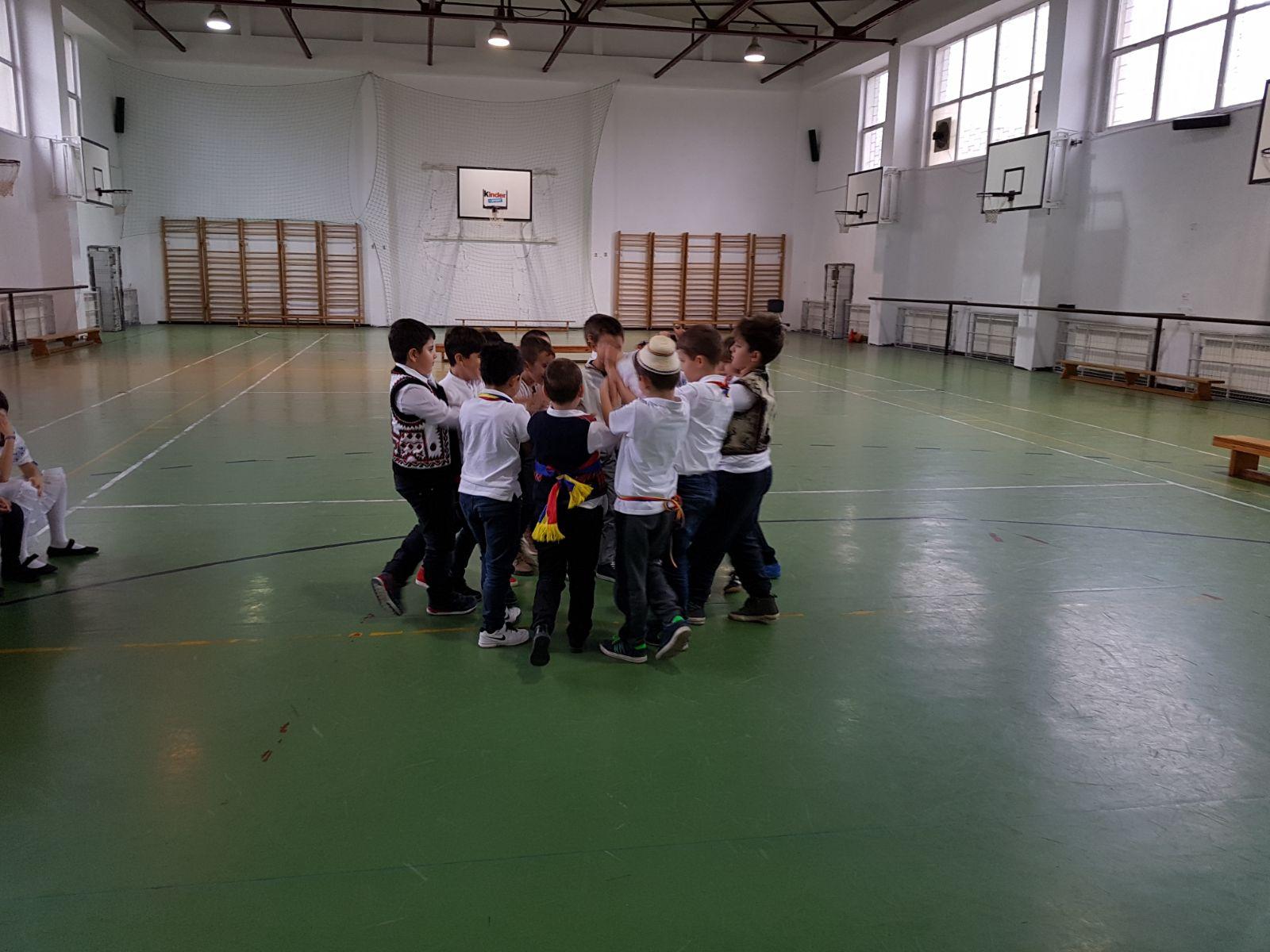 http://www.scoala12bucuresti.ro/site/wp-content/uploads/2017/12/10.jpg