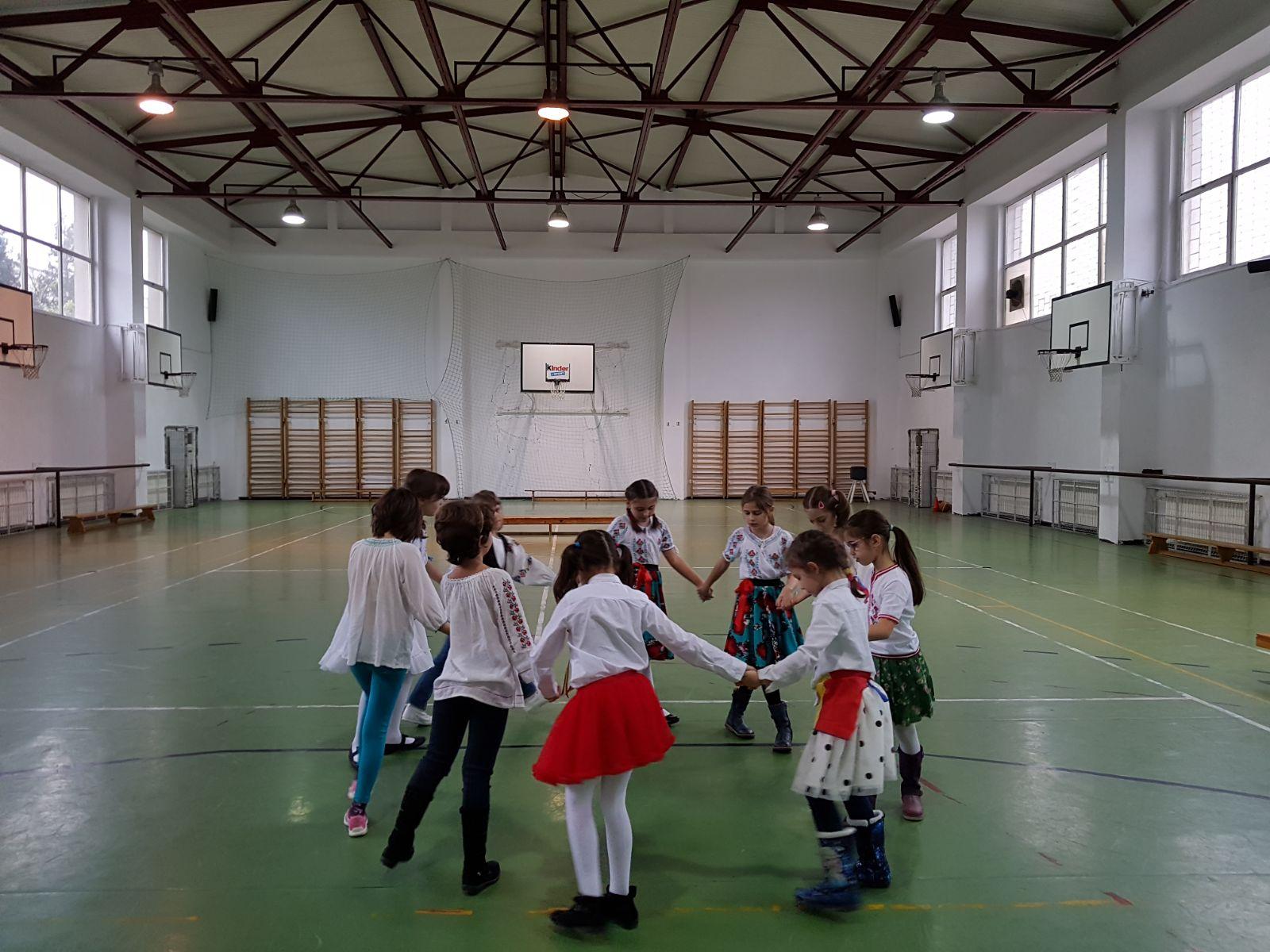 http://www.scoala12bucuresti.ro/site/wp-content/uploads/2017/12/11.jpg