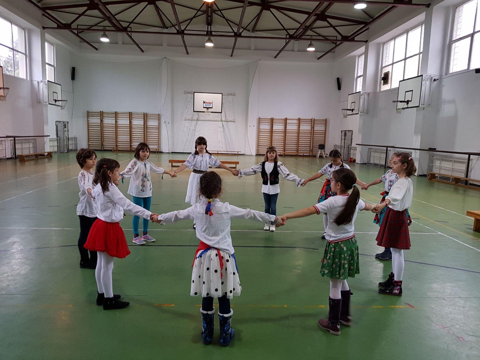 http://www.scoala12bucuresti.ro/site/wp-content/uploads/2017/12/12.jpg