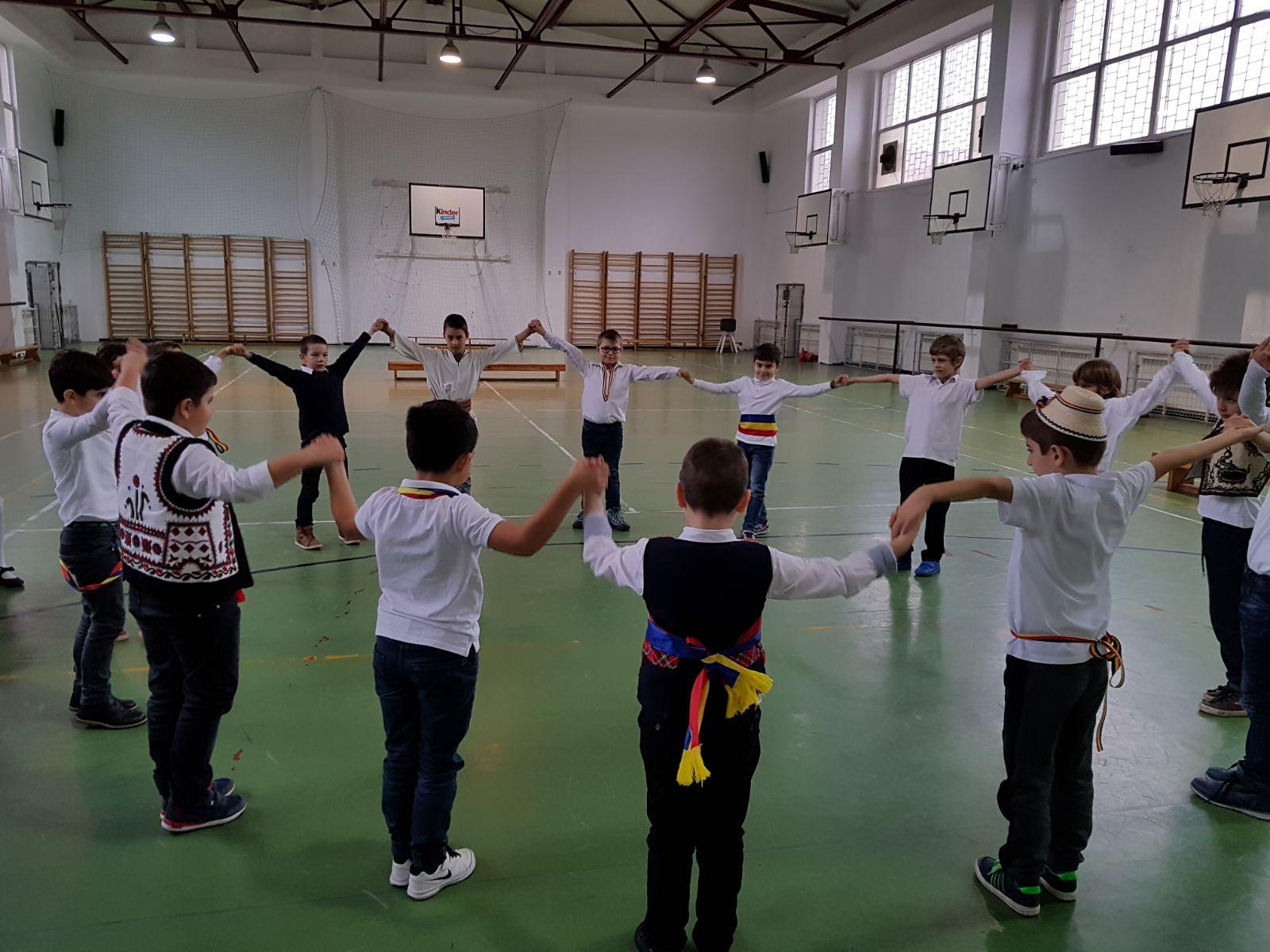 http://www.scoala12bucuresti.ro/site/wp-content/uploads/2017/12/13.jpg