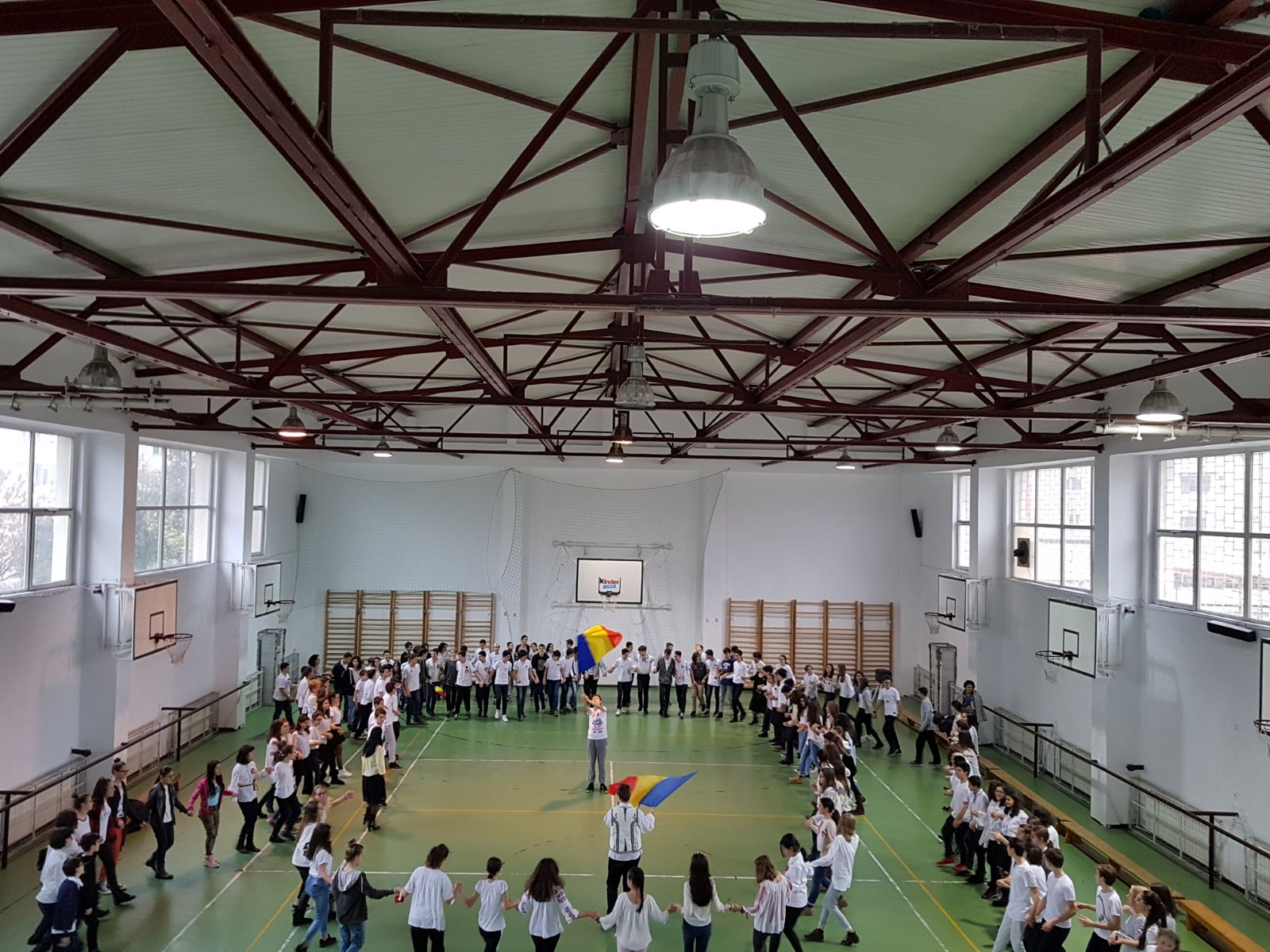 http://www.scoala12bucuresti.ro/site/wp-content/uploads/2017/12/18.jpg